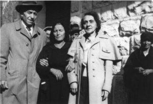 Les Dussault Petrosa visitent la famille italienne (1949)