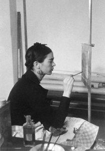 Frida Kahlo à Détroit (1933).